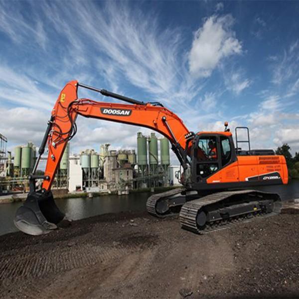 Excavadora Doosan DX255LC-06